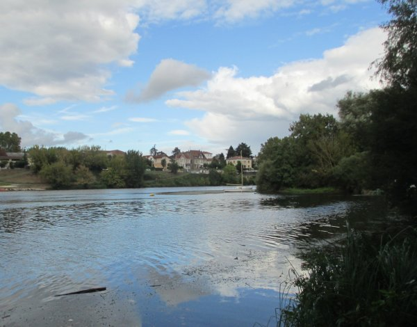 The river Dordogne at Bergerac